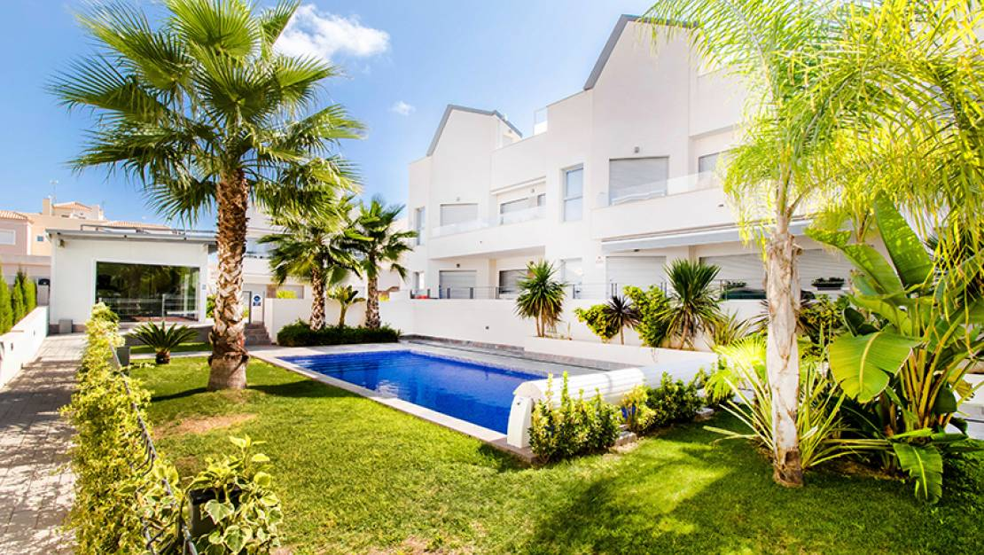 Sale - Apartment - Torrevieja - Torrievieja center